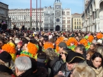 photo - crowd awaiting Coolio at Venice Carnival Opening 2008